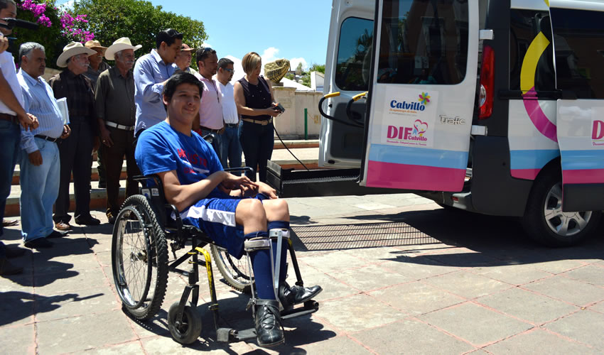 Calvillo Vende Camioneta de Lujo y Adquiere Vehículo Para Personas con Capacidades Diferentes