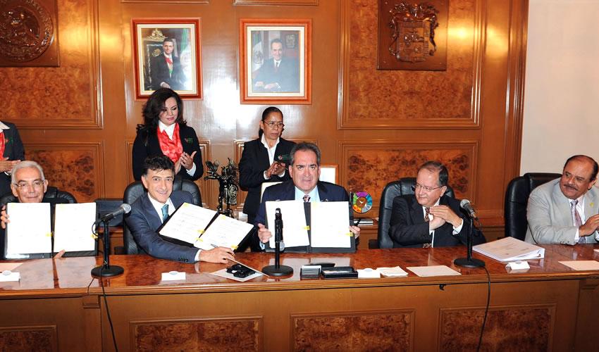El Conacyt y el Gobierno del Estado invierten 60 millones de pesos en convocatorias para infraestructura de investigación para el sector automotriz y de autopartes, y para fortalecer la oferta científica y de divulgación del Museo Descubre en municipios y comunidades