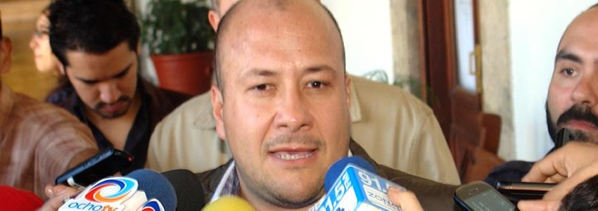 Alfaro rechaza buscar alianzas con otros partidos