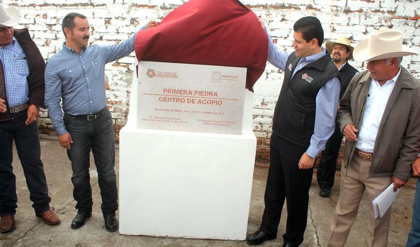 Coloca MAR Primera Piedra del Centro de Acopio de Leche Liconsa en Nochistlán