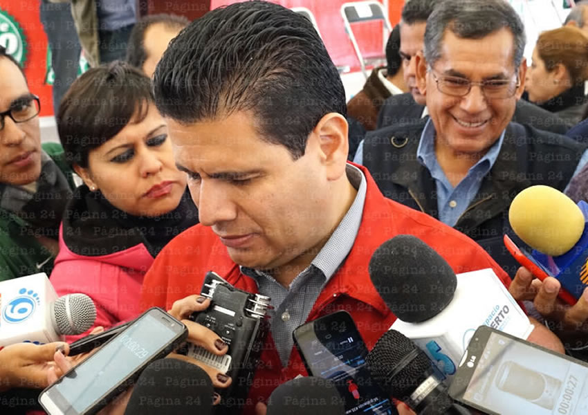 Se Solidariza Gobernador con el Gremio de Taxistas