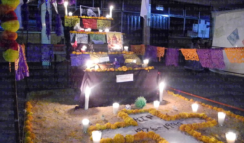 Celebra el Colegio Cristóbal Colón el día de Muertos