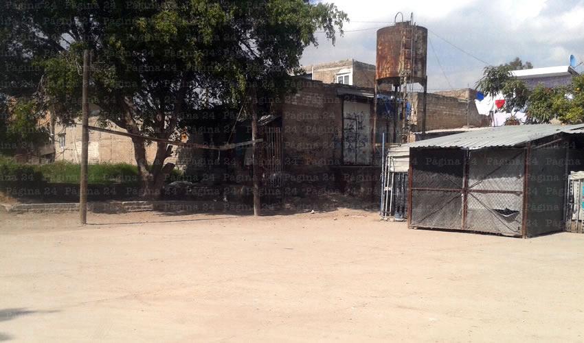 Paracaidistas invadieron unidad  deportiva en Las Juntas