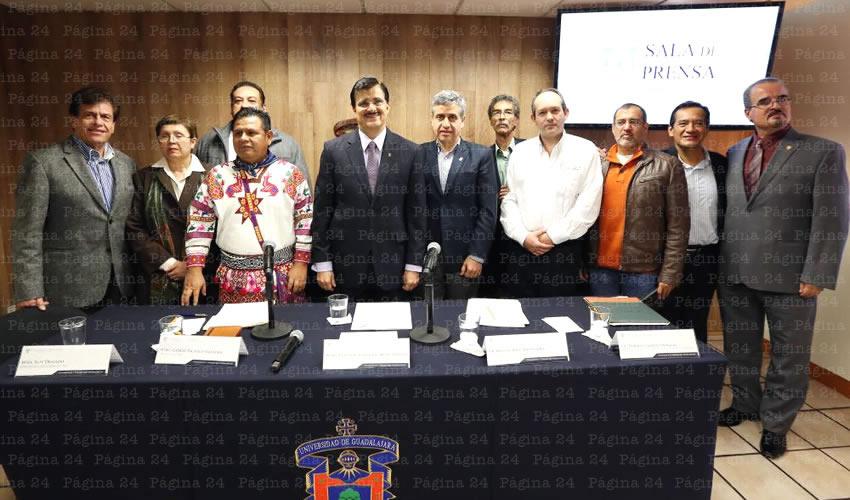 Gana zapoteco el Premio de Literatura Indígena de América