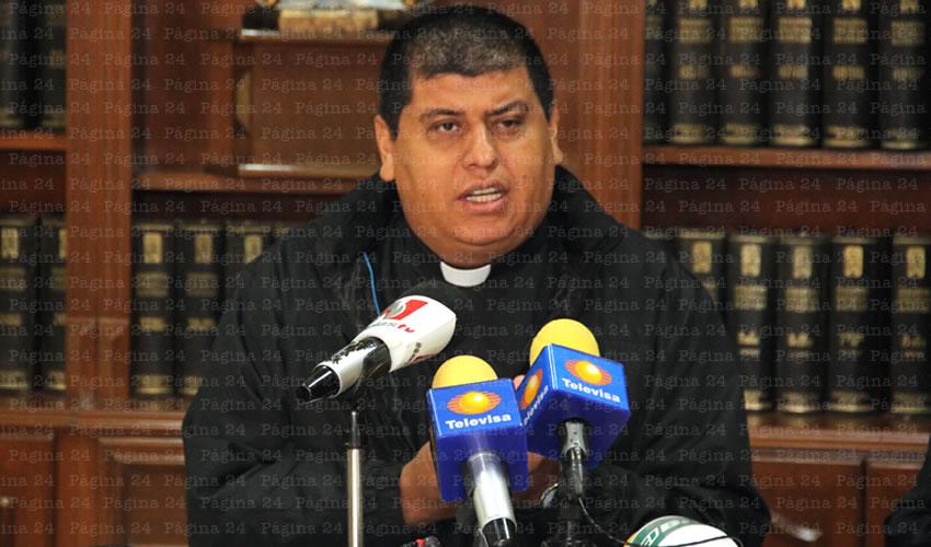 Fotógrafos Tendrán que Respetar los Eventos Litúrgicos  Según Nuevas Normas del Obispado: Felipe Gutiérrez