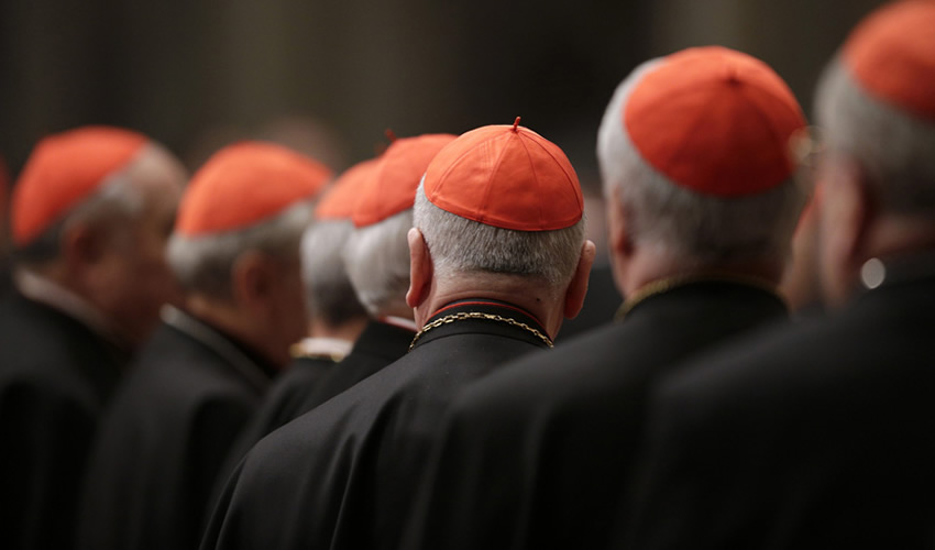 Detienen a 3 Sacerdotes por Abuso Sexual