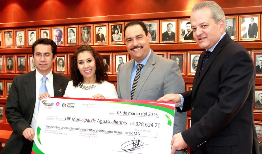 Recibe DIF Municipal de Aguascalientes un Donativo del Patronato de la FNSM