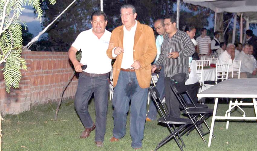 Señor Rodolfo Franco Ramírez, así lo saqué de la fiesta de Gabriel Arellano Espinosa: cagado, meado y vomitado
