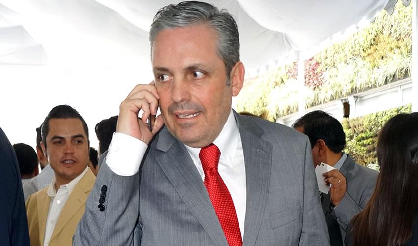 Mauricio Gudiño realiza declaraciones temerarias, como la que se refiere a que los accidentes y las víctimas siempre se han dado, en lugar de cumplir su trabajo y hacer lo posible para reducir el número de siniestros