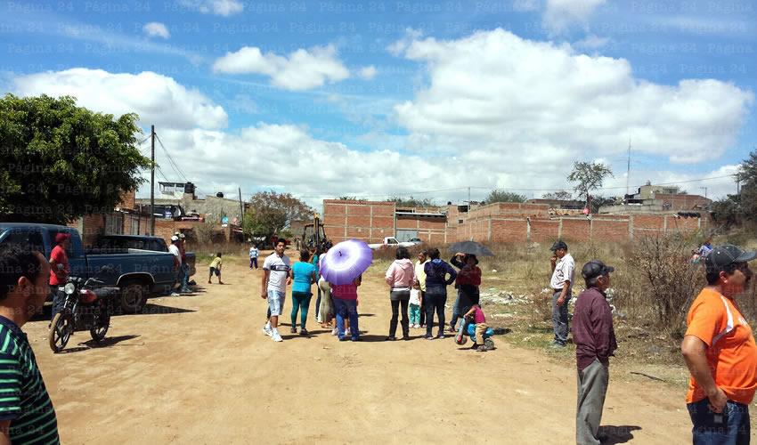 Alcalde interino responde  a vecinos de La Comolca