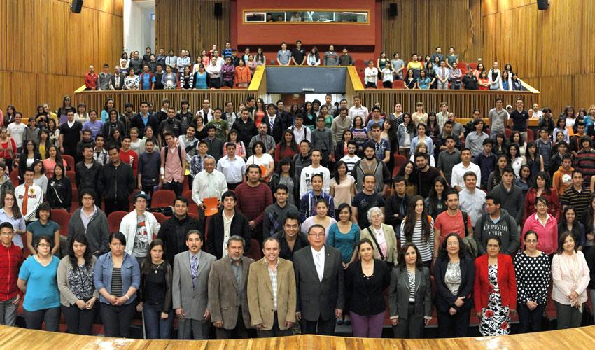 Reconoce UAA a Estudiantes con Mejores  Promedios del Centro de Ciencias Básicas