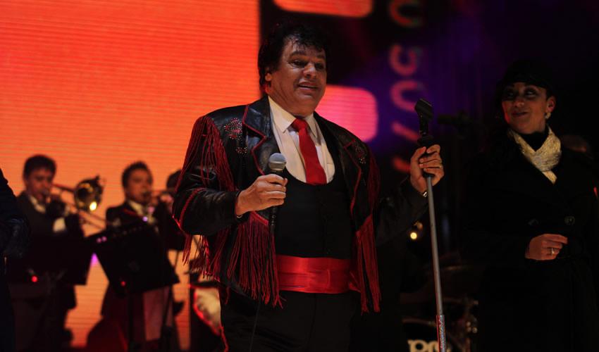 A 10 Días de las Campañas Juan Gabriel da Concierto en Juárez; Abuchean a César Duarte
