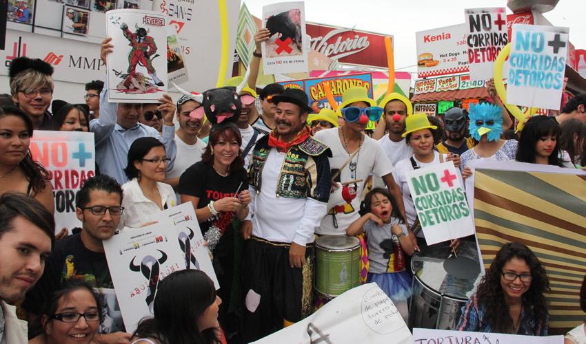 Animalistas Realizan Marcha Antitaurina en la FNSM