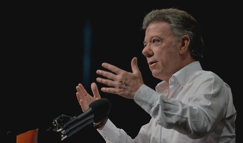 Atraviesan Momento Complejo,  Diálogos por la paz de Colombia