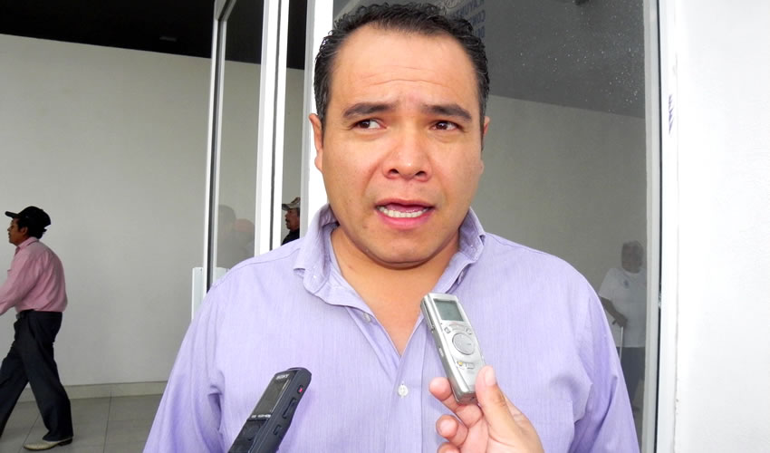 David Romo Garza ...desnudó a los González...
