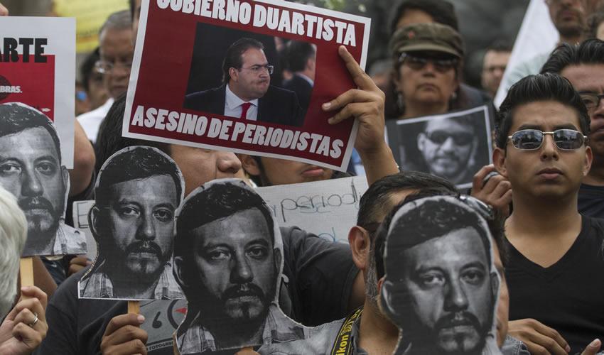 Exigen Justicia en el Ángel por  Homicidio de Rubén Espinosa