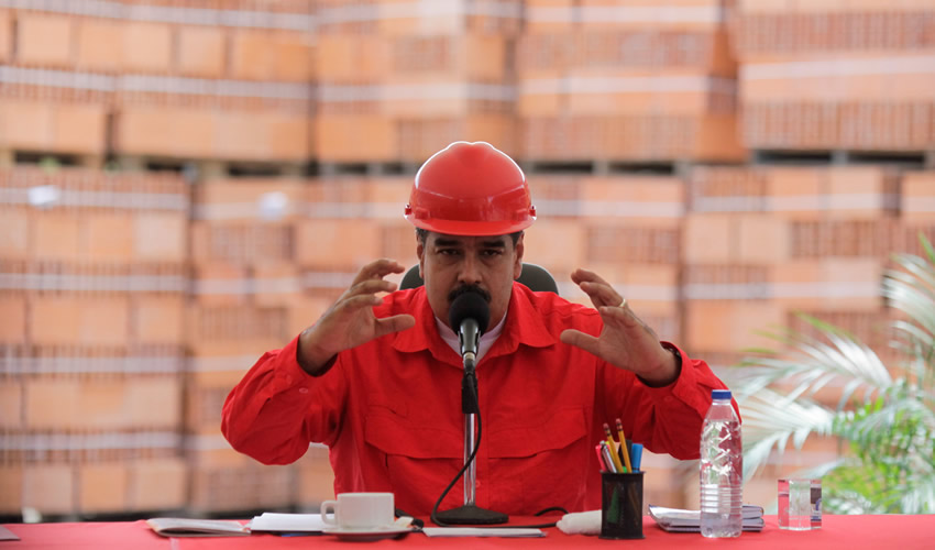 Caracas, Venezuela.- El presidente venezolano, Nicolás Maduro, participando durante su programa semanal Contacto con Maduro