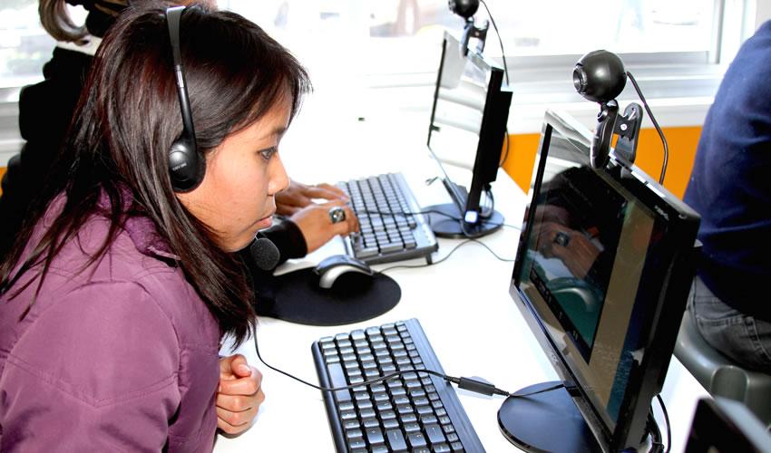 Más de la Mitad de los Niños Están Expuestos a Amenazas en la Internet, Revela un Estudio