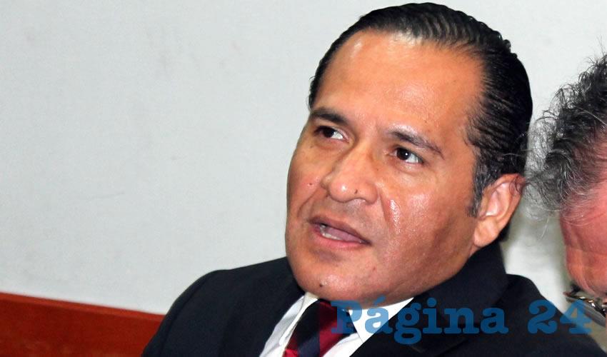 """Va Almaguer contra ex funcionarios """"ladrones"""""""