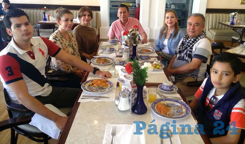 Desayunando p gina 24 for Sanborns bellas artes