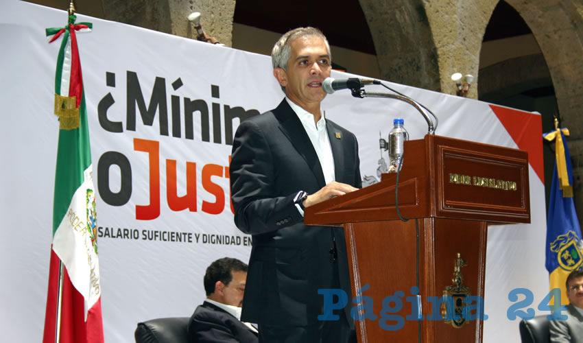 Alfaro y Mancera abogarán por  salario mínimo de $182 pesos