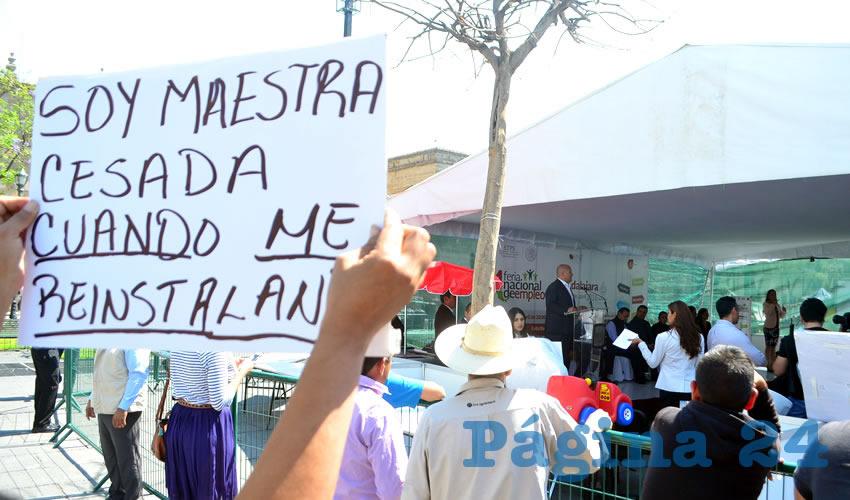 Profesores cesados exigen  congruencia al gobernador