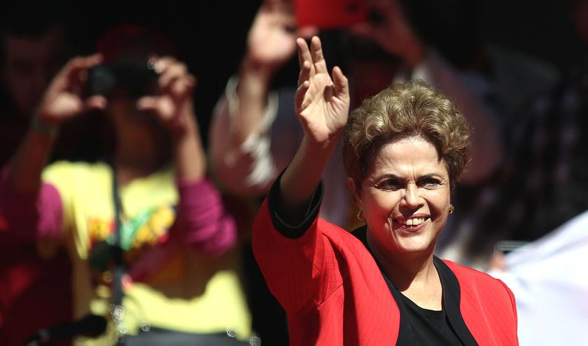 Dilma Promete a Trabajadores  Resistir y  Luchar Hasta el Final