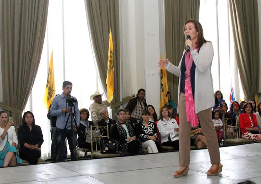 Margarita Zavala: Los Partidos Políticos no Generan Candidatos Cercanos a la Gente