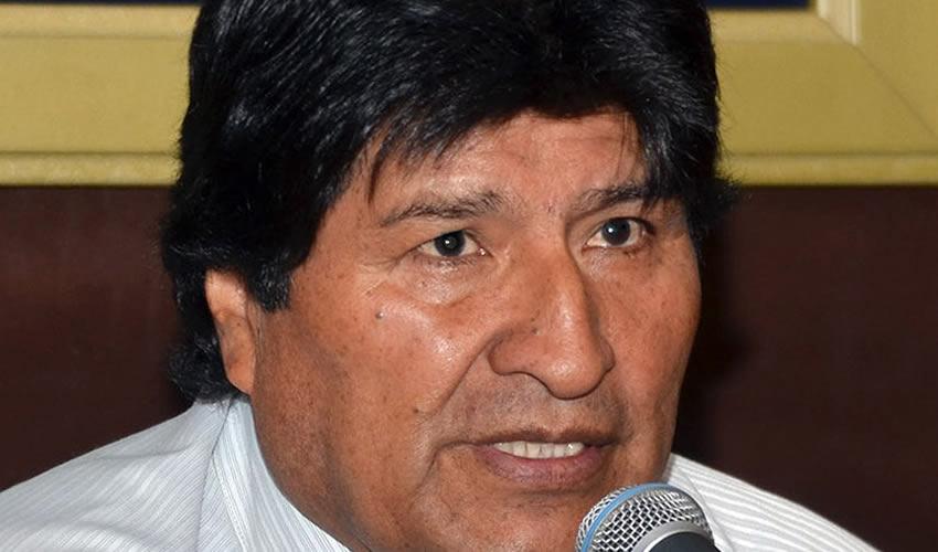 ¡Evo Morales le Escupe Verdades a Trump en su Cara!