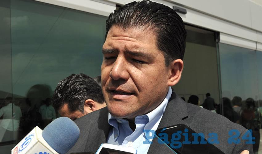 Víctor Rentería López, titular de la Secretaría de Administración