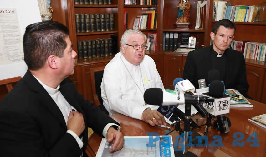 """Confía el Obispo en que el ISSEA Pida su Opinión Acerca de los """"Espectaculares del uso del Condón"""""""