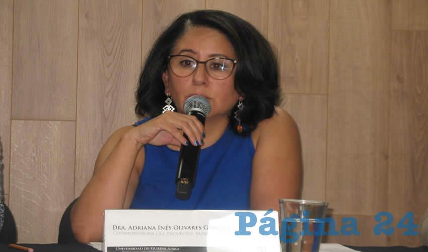 """""""El tema de la caminabilidad es un tema muy importante en la ciudad, y es una cosa que se ha perdido. Hay trayectos que por la misma estructura de la ciudad en términos de funcionamiento, tenemos que usar el automóvil"""", explicó la doctora Adriana Inés Olivares González/Foto: Francisco Tapia"""