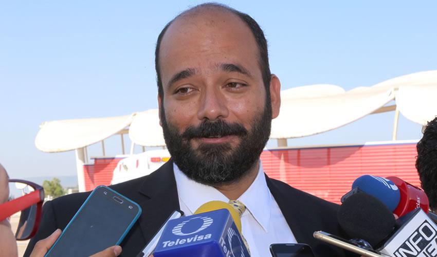 Carlos Rodrigo Martín Clemente ...¿está bien del cerebro?..