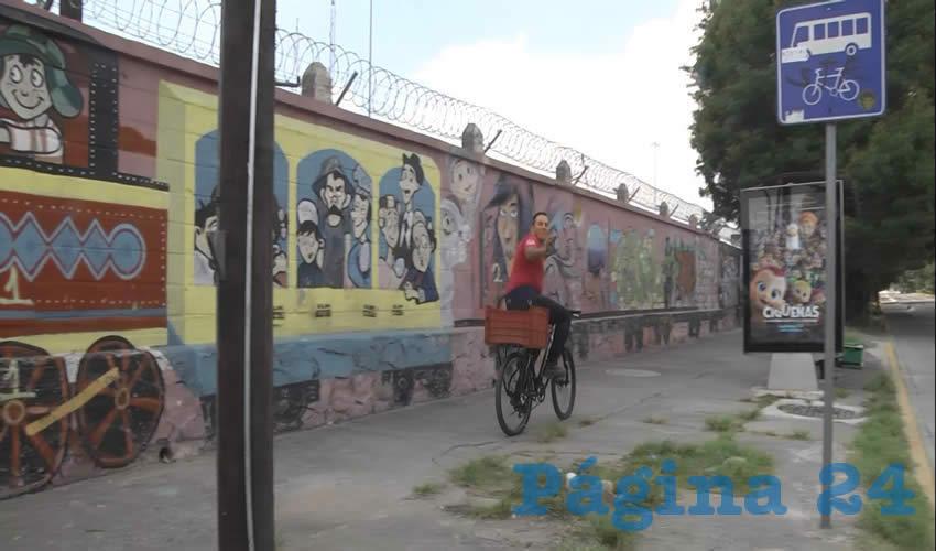 Ciclistas de la zona metropolitana esperan que con la entrada en vigor de la biciley mejoren las cosas para ellos y para la movilidad en general de la ciudad, pues en la actualidad circulan con riesgos que los exponen a accidentes/Fotos: Francisco Andalón López