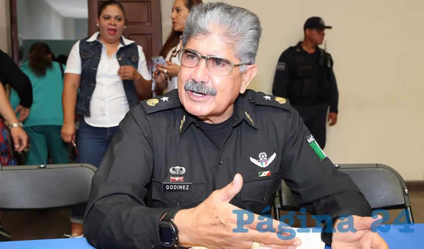 """Jóvenes Desairan Convertirse en Policías por """"Mejores Oportunidades de Empleo"""""""