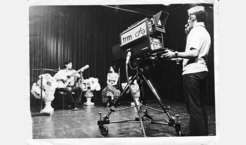 """""""En el 10 a las 10 la mañana del sábado"""", programa de entretenimiento cultural de larga duración; en la foto Martha Papadimitriou, Rafael """"Güero"""" Juárez y """"Don Dany"""" en la cámara"""