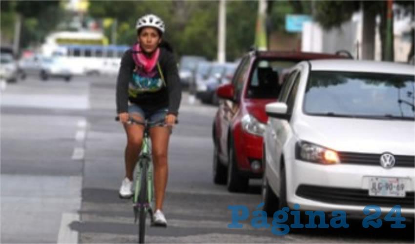 Es absurdo que los mismos vecinos se quejen de esta opción de movilidad no motorizada, y que encima se quejen del tráfico que supuestamente genera, criticaron usuarios de la ciclovía de Boulevard Marcelino García Barragán/Foto: Cortesía