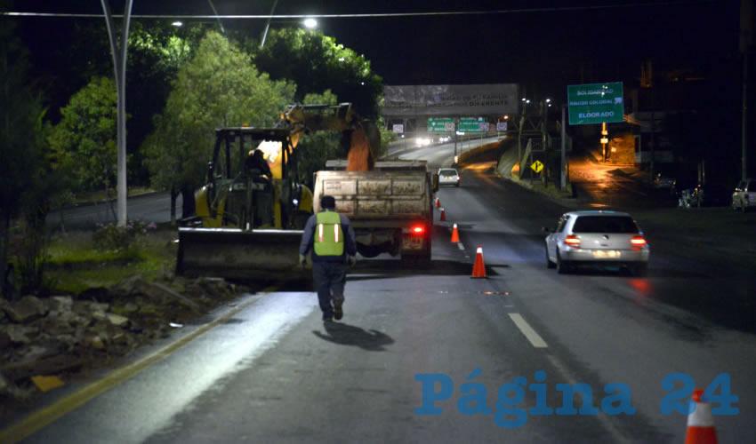 La Regeneración del Camellón del Bulevar Metropolitano en Guadalupe se Realiza por la Noche