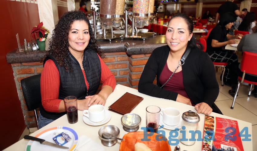 En el restaurante Mitla compartieron el primer alimento del día María Elena Santoyo Valenzuela, presidenta del Partido Verde Ecologista de México (PVEM), y Cecy Águila Tristán, secretaria de finanzas del PVEM