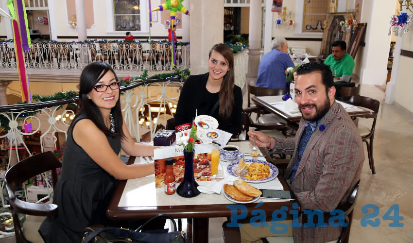 En Sanborns Francia departieron Anabel Villalobos, Dulce González Delgado y Kike de la Torre
