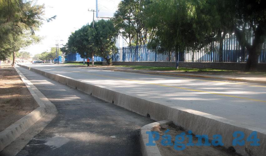 Las últimas semanas vecinos se han manifestado en contra de la construcción de una ciclovía en la avenida Marcelino García Barragán, al grado de llevar el tema a una consulta ciudadana para ver si se continúa la obra o no, pese a que esto representa un bien para la ciudad/Fotos: Archivo Página 24