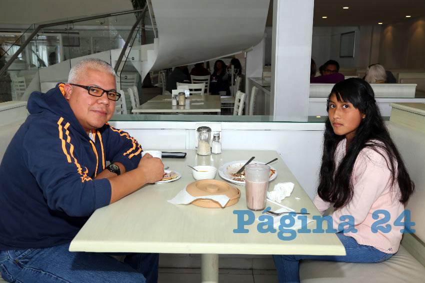 En el restaurante Del Centro almorzaron Genaro Vázquez Montaño y Elena Patricia Vázquez Muñoz