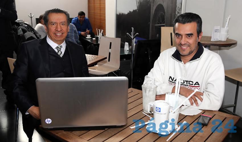 En Café Punta del Cielo departieron Sergio Augusto López Ramírez, diputado local, y Fernando Carrillo López, consultor empresarial