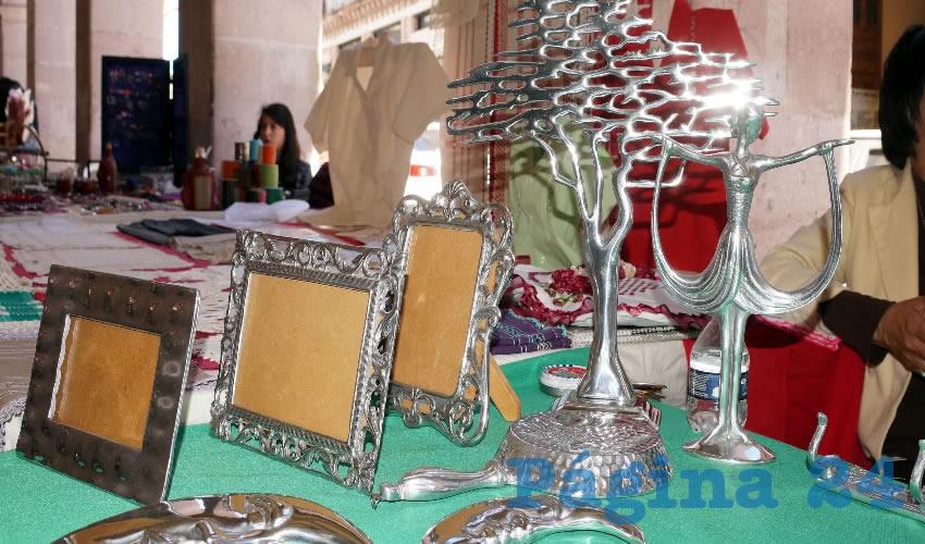 Del 21 de diciembre al 7 de enero se instalarán en el Portal de Rosales un grupo de artesanos locales que esperan durante este periodo vacacional gran venta de los productos que elaboran a mano (Foto: Merari Martínez Castro)
