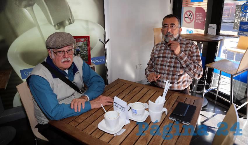 En Café Punta del Cielo departieron Juan Castaingts, investigador en la UNAM, y Eduardo Marín Jáuregui, titular de la Comisión Estatal de los Derechos Humanos en Aguascalientes