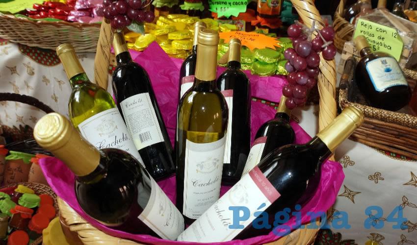 Además, durante la temporada decembrina también se consumen diferentes bebidas alcohólicas aperitivas o digestivas, como son los vinos de frutas procedentes de municipios como Jerez, Zacatecas
