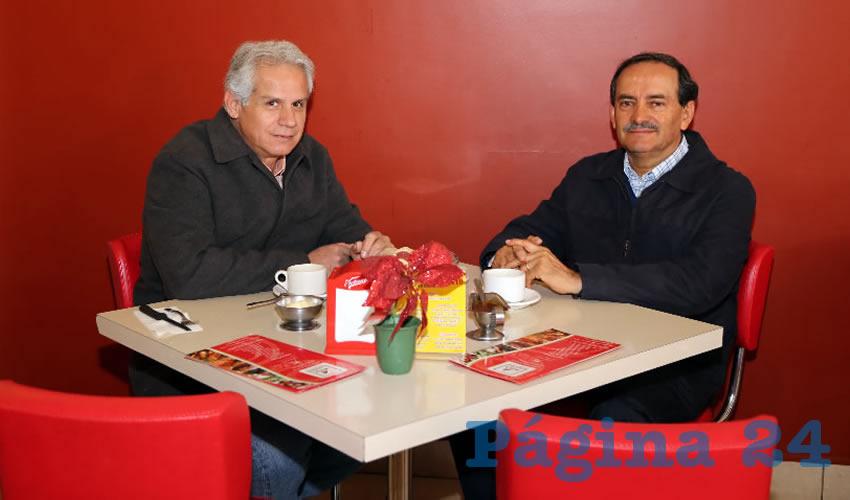En el restaurante Mitla compartieron el primer alimento del día Evaristo Martínez Hernández y Alfredo Reyes Velázquez