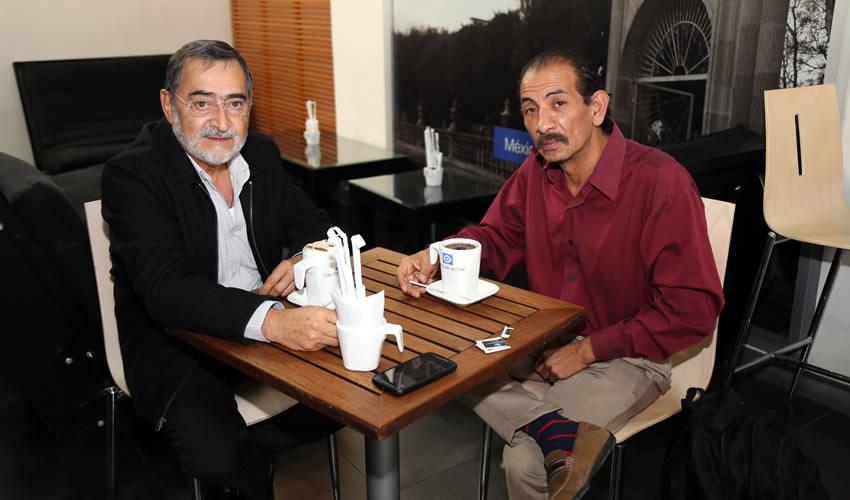 En Café Punta del Cielo departieron Luis Manuel Bustos Arango, consejero electoral, y Ricardo Barba Parra