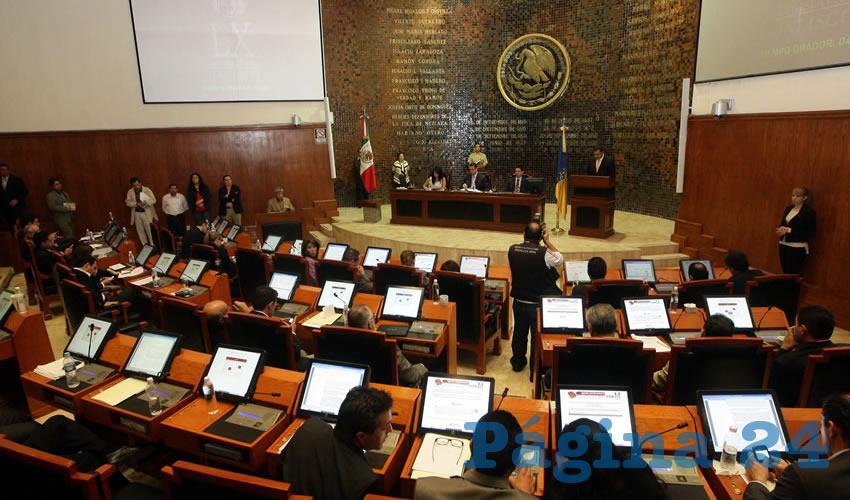 El Pleno del Congreso de Jalisco dio luz verde exhortó a las autoridades de la Secretaría de Salud Jalisco (SSJ) para que informe a diputados sobre las acciones realizadas en el estado para identificar casos sospechosos de infección respiratoria/Foto: Archivo Página 24