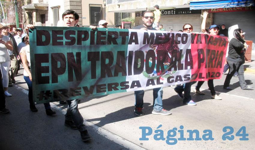 """""""Reversa al gasolinazo"""", ya basta de Peña Nieto, el gran traidor de la patria, tronaban"""